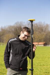 Grenzsteinsuche mittels GNSS-Antenne